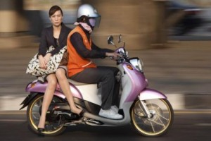 Thai Lady Motorbike 300x200 Do You Want To Drive In Bangkok? – Part 3 The Hazards Of Bangkok Traffic
