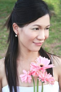Happy Thai Wedding Bride